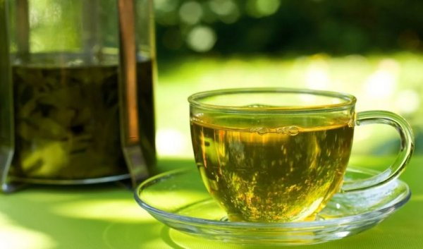 Аллерголог рекомендует чай из петрушки против аллергии  - Novoye Vremya Mobil versiya